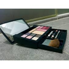 authentic christian dior expert travel studio all over makeup palette set health beauty makeup on carousell