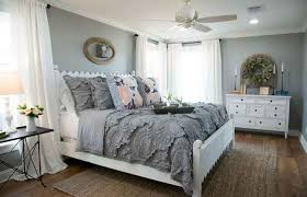 Magnificient farmhouse master bedroom decor design ideas Bedroom Furniture Stunning Farmhouse Master Bedroom Decor Ideas Realec Interior Design Concepts Master Bedroom Style Farmhouse Modern Bathroom Country Bedrooms