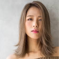 ミディアムヘアは前髪なしで大人色気アピールおすすめスタイル特集