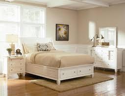 Sandy Beach White Queen Size Platform Bed with Storage Drawers