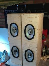 speakers in box. speakers in box r