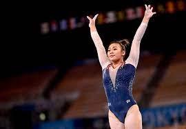 Suni Lee won gold for her community ...