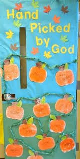 Image Halloween Pumpkinfallclassroomdoordecoration Centralazdining Fall Door Decoration Ideas For The Classroom Crafty Morning