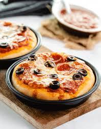 Copycat Pizza Hut Personal Pan Pizza The Cozy Cook