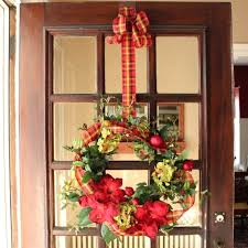 how to hang a wreath on door hanging front out