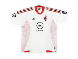 Desain dari jersey baru ini memberikan penghormatan kepada tradisi, budaya, dan arsitektur ikonik yang identik. Ac Milan 2002 2003 Maldini 3 Away Football Shirt Soccer Jersey Foot Jerseys
