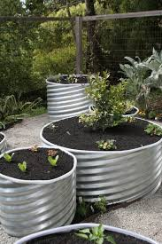 start a spring graden with diy raised garden