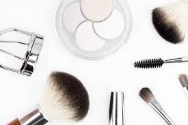 how to sell cosmetics the ultimate guide to selling your beauty s selz free resources for selling