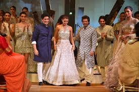 Anushka Sharma Fashion Designer Srk And Anushka Walk For Manish Malhotra At Mijwan Show By