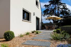 d inspiration traditionnelle bretonne avec une touche de modernité cette maison de 4 chambres 96m2 se caractérise par l utilisation de matériaux de