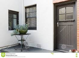 entry porch and frnt door of an art deco style apartment in australia