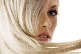 Střih Melír A Regenerace V Salonu Afrodité Pro Všechny Délky Vlasů