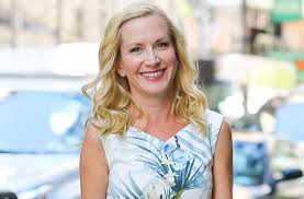 Angela Kinsey Sells edy 1 800 To TBS Today s News Our Take