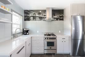 guest house kitchen. A Modern Guest House With Rich Texture And Details. Kitchen Features Wallpaper Mural Of The Brooklyn Bridge. R