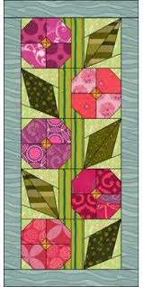 Best 25+ Flower quilts ideas on Pinterest | Log cabin quilts ... & Free Flower Quilt Pattern for Eq7 EQ6 or Quilt Design Wizard Looks like a  hollyhock- Adamdwight.com
