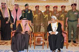 """سلطان عمان في السعودية.. """"مشاريع الدقم وحرب اليمن"""" على طاولة الزيارة الأولى"""