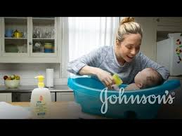 how to bathe a newborn baby johnsons