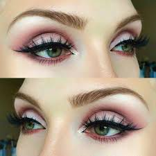 matte pink eye makeup look for green eyes