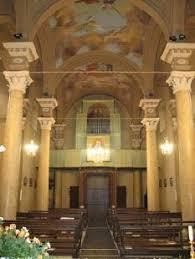 Risultati immagini per ingresso di chiesa