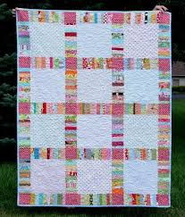 627 best Quilts - Borders/Sashing Ideas images on Pinterest | Hand ... & Make string strips and use as sashing between larger, plainish blocks Adamdwight.com