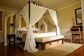 Incredible Romantic Master Bedroom With Canopy Bed with Super ...