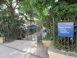 entrance steps gate accessible