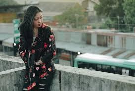 """Bukan """"Cewek Bandung Cantik-cantik"""" tapi """"Cewek, di Bandung, Cantik-cantik""""  – Terminal Mojok"""