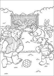 Disegno Di Franklin E Gli Altri Animali Giocano A Calcio Da Colorare