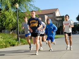 tips to stay fit post high school daily bruin many ucla students exercise daily on campus from running the campus perimeter to attending yoga