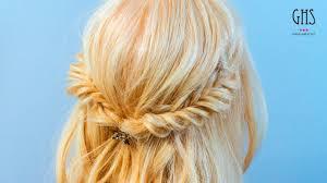 結婚式髪型羨ましがられ可愛い簡単ミディアムハーフアップ