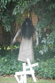 very scary Outdoor Halloween Decorations