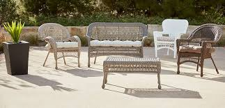 diffe sizes of wicker furniture