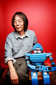 日本で有名なロボットクリエータの杉浦ファミリーのtomio sugiuraさんとのインタビューを行いました