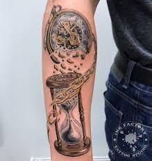 часы и время сделано в Inkfactory