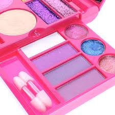 amazon townley super sparkly lip pact cosmetic set for s 22 lip glosses 4 blushes in mirrored case trolls toys games