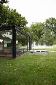 philip johnson the glass house new canaan fujiko nakaya fog exhibition photo shershegoes com18