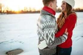 20 Gorgeous Style Ideas For a Winter Engagement Shoot | Winter engagement,  Winter engagement photos, Engagement photoshoot