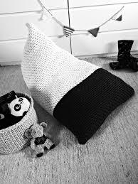 Black And White Pouf Chunky Knit Bean Bag Pouf Modern Color Block Bean Bag Pouf