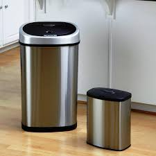 image of 13 gallon kitchen trash can