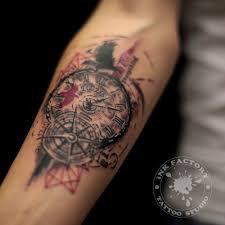 часы с розой ветров сделано в Inkfactory