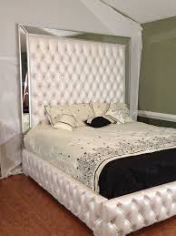 Luxurious King Tufted Bed with Mirrors and Rhinestones Bed with ...
