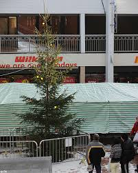 The Worst Christmas Tree In Britain Council Shamed Into Removing Worst Christmas Tree