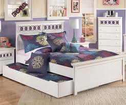 Zayley Panel Bed with Trundle Full Size