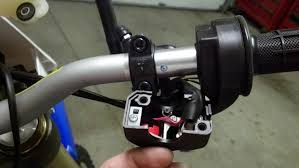 how to 12 wr450 taillight start kill switch as you can see below the r6 switch assembly has 4 wires inside of it the kill switch consists of a 12v red w white stripe and a
