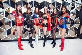 ปาร์ตี้สุดมันส์โดย Krystal Club มัดรวมสาวเซ็กซี่มาบอดี้เพ้นท์เป็นเหล่า  ซุปเปอร์ฮีโร่