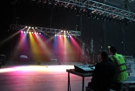 provide you an opportunity to work as lighting technician in industry