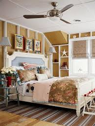 Get Colorful and Fun Thing with Beach Theme Bedroom | HomesFeed
