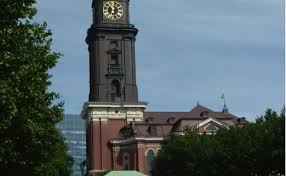 Michaelis te ayudará a preparar para tu viaje a hamburgo. Hamburg St Michaelis Bucherturme