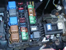 blown amp fuse for power windows page nissan forum its a little rectangular 25 amp fuse that is brown in color