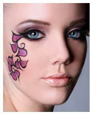 one main color purple eyeshadow can be used for a gorgeous creative makeup look